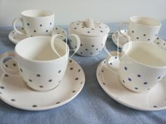Tea cups decorated by hand