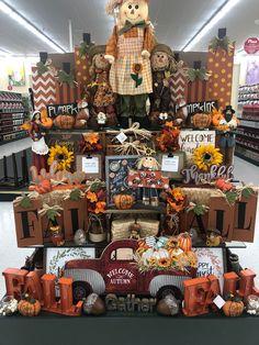 Hobby Lobby Fall Decor, Hobby Lobby Christmas, Diy Fall Wreath, Fall Wreaths, Autumn Display, Fun Hobbies, Fall Table, Felt Diy, Thanksgiving Crafts