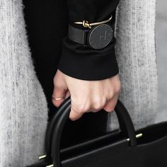 Black and Gold Look Fashion, Fashion Details, Street Fashion, Womens Fashion, Fashion Black, Net Fashion, Looks Style, Style Me, Vogue