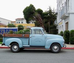 old truck by sazzy, via Flickr