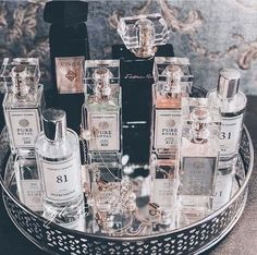 You havent tried our Perfumes yet? You missing out! You could safe a fortune! I will never go back to expensive bottles👍🏻 Gentlemans Club, Natural Hair Treatments, Skin Treatments, Natural Make Up, Natural Skin Care, Damp Hair Styles, Natural Hair Styles, Jessica Parker, Natural Cosmetics