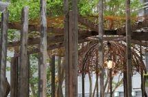 Зоны отдыха материалы: природный камень, дерево, металл