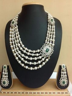 bridal sets & bridesmaid jewelry sets – a complete bridal look Mom Jewelry, India Jewelry, Jewelery, Fine Jewelry, Jewelry Design, Simple Jewelry, Bridal Bracelet, Bridal Jewelry, Beaded Jewelry