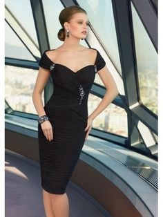 gown evening dress Picture - More Detailed Picture about Robe de Soiree Courte Women Evening Party Dress Elegant Pleat Chiffon Black Short Evening Dresses 2017 Formal Gowns Abendkleider Picture in Evening Dresses from NIFUNA Lvenus Wedding Dresses Store Evening Dresses For Weddings, Chiffon Evening Dresses, Evening Gowns, Evening Party, Cheap Prom Dresses, Homecoming Dresses, Bridesmaid Dresses, Bride Dresses, Party Dresses
