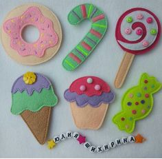 Looks good enough to eat. Felt Crafts Patterns, Felt Crafts Diy, Felt Diy, Fabric Crafts, Sewing Crafts, Crafts For Kids, Felt Christmas Decorations, Felt Christmas Ornaments, Christmas Crafts