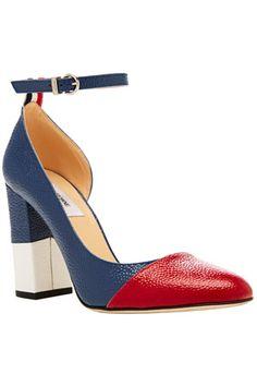 Вещь дня: туфли Thom Browne:На широком каблуке из лакированной зерненой кожи цветов русского! флага