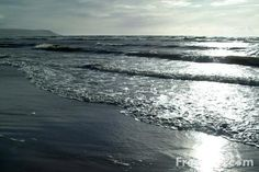http://www.freefoto.com/preview/15-71-32/The-Irish-Sea-as-seen-from-Barmouth-Beach--Gwynedd--Wales