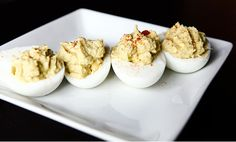 7 Recipes For The Ultimate Paleo Thanksgiving! Deviled Eggs with Guacamole! Juicing Recipes For Beginners, Paleo Deviled Eggs, Clean Recipes, Snack Recipes, Guacamole, Healthy Snacks, Healthy Recipes, Healthy Eats, Paleo Thanksgiving