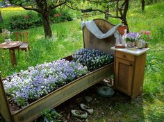 Landscape Humor - Flower bed...this is something my mom would do.