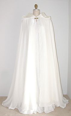 Wedding cloak, Renaissance wedding, Medieval wedding, White Velvet Cloak, Period Costumes, Medieval women, Medieval Princess dress.