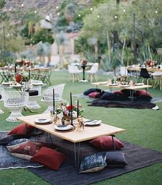 Boho brides, consider a sit-down, picnic style reception for a seriously cool, laid back vibe. ✨ #marthaweddings