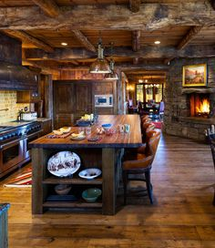 Rustic kitchen cabinet is a beautiful combination of country cottage and farmhouse decoration. Browse ideas of rustic kitchen design here! Design Case, Küchen Design, House Design, Design Ideas, Cabin Design, Interior Design, Design Trends, Interior Modern, Layout Design