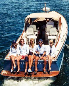 Shells sink  (so do drones ), dreams float, life's good, on a boat ⛵️ @keel58 @chathambarsinn
