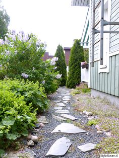 puutarha,piha,kesä,polku,liuskekivet Stepping Stones, Pergola, Sidewalk, Outdoor Decor, Summer, Home, Garden Ideas, Heel, Stair Risers