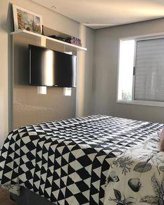 Quarto de casal pequeno: 100 provas de que tamanho não é documento Decor, Room Design, House, Home, Home Bedroom, Bedroom Design, New Homes, Home Deco, Small Bedroom
