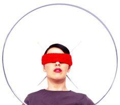 Francesca Fini a Trieste per  SOFA CHATS, videoarte da salotto  http://doubleroomtrieste.wordpress.com/2014/02/20/sofa-chats-white-noise-white-sugar-di-francesca-fini/