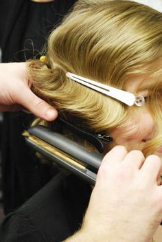 How to create finger waves