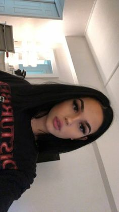 This is a Short Straight Bob Style Lace Front Wigs Brazilian Virgin Human Hair. Curly Brazilian Weave, Deep Wave Brazilian Hair, Brazilian Hair Bundles, Maggie Lindemann, Jheri Curl, Weave Hairstyles, Straight Hairstyles, Short Hairstyles, Wedding Hairstyles