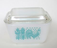 Vintage Pyrex Amish Butterprint 501B 1-1/2 Cup Refrigerator Dish With Lid by retrowarehouse on Etsy