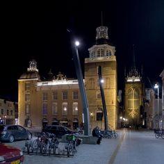Het stadhuis van Goes met mooie verlichting.
