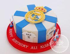 Real Madrid cake #realmadrid #realmadridcake #logocake #soccercake #maryamscakery #fondant #halamadrid #cake