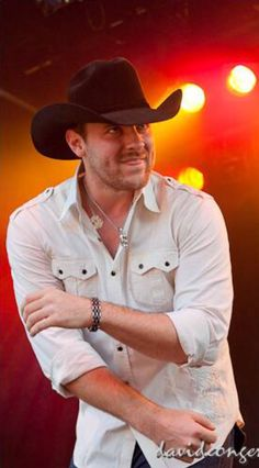 Chris Young...dimples & sticking out his tongue!