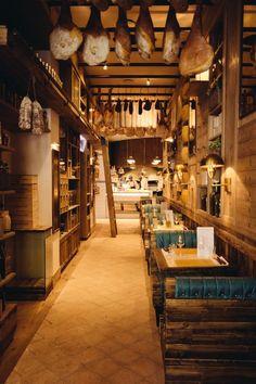 Tapas Restaurant, Barbecue Restaurant, Tapas Bar, Wine Shop Interior, Restaurant Interior Design, Pub Interior, Trattoria Italiana, Bar Deco, Barbecue Design