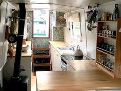 Cheap Houseboat Interior Ideas – The Urban Interior - Aufenthaltsraum Interior Exterior, Interior Design, Interior Ideas, Barge Interior, Canal Boat Interior, Narrowboat Interiors, Narrowboat Kitchen, Houseboat Living, Houseboat Ideas