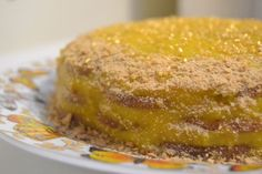Cookie Cake Recipe with Sweet Egg - vote) Ingredients For egg candy 250 g sugar 1 tsp (full) cornstarch (cornstarch) 1 lemon pee - Portuguese Recipes, Portuguese Food, Whole Eggs, Food Cakes, Corn Starch, Cornbread, Cake Recipes, French Toast, Lemon