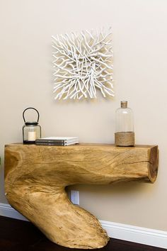 Wall decorating ideas: make your walls unique! room-deco-from-wise-wood-driftwood-table-books Candle Types Of Furniture, Unique Furniture, Wooden Furniture, Furniture Projects, Wood Projects, Furniture Design, Natural Wood Furniture, Tree Furniture, Table Teck