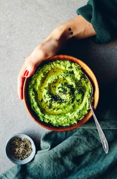 Green Pea Hummus with Feta Cheese & Dill I Love Food, A Food, Good Food, Food And Drink, Yummy Food, Raw Food Recipes, Veggie Recipes, Cooking Recipes, Vegan Vegetarian