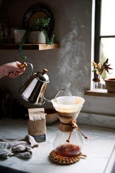 やっぱり欲しい定番品。「CHEMEX(ケメックス)」のコーヒーメーカーで食卓を華やかに♪