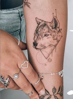 35 Cute Small Tattoo Design Ideas For Woman - Page 2 of 35 - Latest Fashion Trends For Woman Unique Small Tattoo, Cute Small Tattoos, Small Tattoo Designs, Pretty Tattoos, Mini Tattoos, Love Tattoos, Sexy Tattoos, Body Art Tattoos, Stomach Tattoos