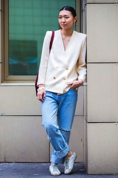 Le Fashion: Street Style: A Laid-Back Way To Wear An Elevated Blazer waysify