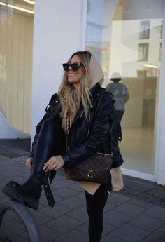 Winter Fashion Outfits, Edgy Outfits, Fashion Weeks, Look Fashion, Autumn Winter Fashion, Fall Outfits, Womens Fashion, Pochette Louis Vuitton, Elegantes Outfit