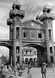 Iron Market  John McAslan + Partners   Port-au-Prince, Haiti  Photographer Rex Hardy captured this image in the 1930s for LIFE magazine.