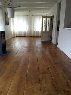 Houten vloeren Oldhuys Hardwood Floors, Flooring, Wall Decor, Wood Ideas, Boden, Ad Home, Wood Floor Tiles, Wall Hanging Decor, Wood Flooring