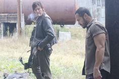 """The Walking Dead """"Arrow on the Doorpost"""" S3EP13"""