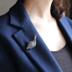 VINTAGE MARCASITE SNAIL BROOCH (925 SILVER)/ヴィンテージ・ブローチ