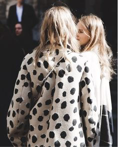 5 Chic Prints to Try for Spring for the Girl Who's Over Floral: Uneven Dots Fashion Moda, Womens Fashion, Fashion Trends, Net Fashion, Coco Fashion, Paris Fashion, Style Fashion, Looks Style, Style Me