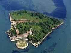 Poveglia, pulau penjara paling tragis di dunia  MUNGKIN ramai yang tidak tahu sejarah di sebalik keindahan Pulau Poveglia, iaitu salah satu pulau kecil yang terletak di Itali. Terletak di antara sempadan Itali dan Lido, pulau in dikatakan menyimpan...