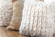 How to Make a Chunky Knit Pillow Cover in Under an Hour : A chunky knit pillow . How to Make a Chunky Knit Pillow Cover in Under an Hour : A chunky knit pillow cover that you can Beginner Knitting Projects, Knitting For Beginners, Diy Pillows, Throw Pillows, Cushions, Big Knit Blanket, Jumbo Yarn, Memory Pillows, Easy Stitch