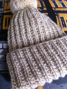 Tupsupipo & arvonnan voittaja - Sunday Mornings   Lily.fi Knit Crochet, Crochet Hats, Sunday Morning, Handicraft, Knitted Hats, Knitting Patterns, Winter Hats, Mornings, Lily