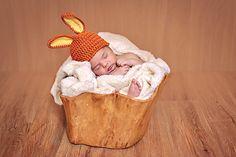 retrato Bassinet, Photographs, Home Decor, Portraits, Crib, Decoration Home, Room Decor, Photos, Baby Crib