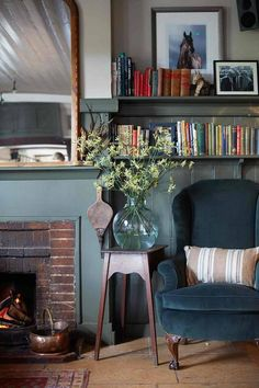 We take a look around the cosy interiors of this English country pub, The Pheasant Inn, Berkshire, in Travel on HOUSE - design, food and travel by House & Garden Pub Interior, Italian Interior Design, Cosy Interior, Cafe Interior Design, Cafe Design, Design Design, Cottage Living Rooms, Cottage Interiors, Home Living Room