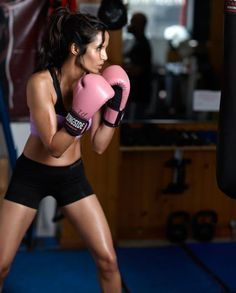 Girls Boxing Guide - Boxing Cardio Training Ideas -Kickboxing or just Boxing is an amazing workout!! It also helps to relieve stress too!;-)