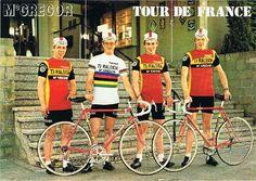 Wereldkampioen Gerrie Knetemann met zijn Belgische Raleigh-ploegmaats Wesemael, Wellens en De Gendt. Reclamekaart van McGregor uit 1979.
