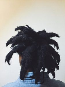Afro dreads, better known as freeform locs, are formed by letting the hair lock on its own, without much outside influence. Here's a guide to afro dreads. African Natural Hairstyles, Natural Hair Styles, Black Hairstyles, Afro Dreads, Dreadlock Rasta, Freeform Dreads, Free Form Locs, Pelo Natural, Hair Locks