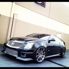 Cadillac CTS - V Coupe..... I Want this!!!!!!!