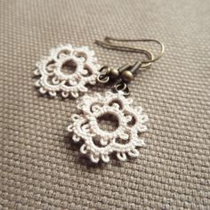 Bridal small cream lace earrings